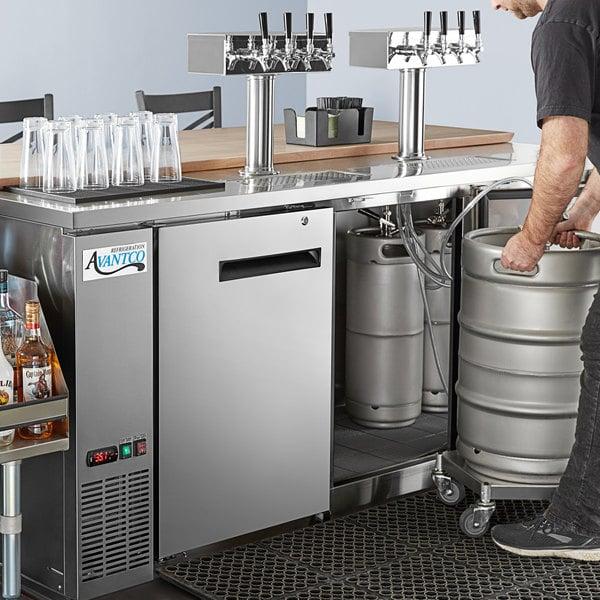 Avantco Stainless Steel Kegerator / Beer Dispenser with 2 Quadruple Tap Towers - (4) 1/2 Keg Capacity Main Image 8