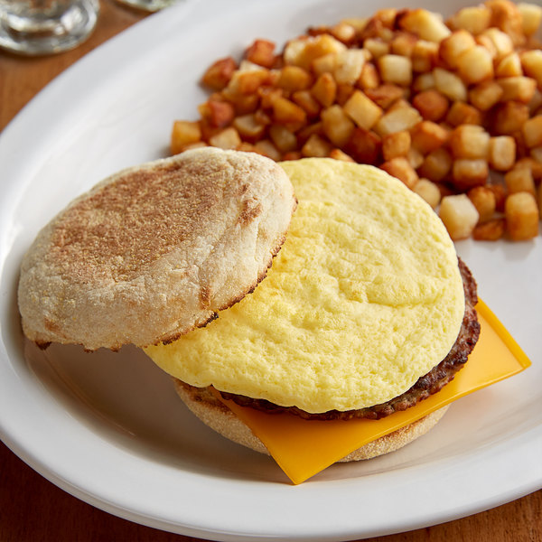 """Papetti's 4"""" Round 2 oz. Fully Cooked Scrambled Egg Patty - 100/Case Main Image 2"""