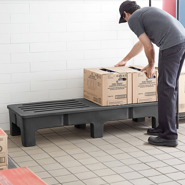"""Regency 60"""" x 22"""" x 12"""" Black Plastic Heavy-Duty Dunnage Rack with Slotted Top - 1750 lb. Capacity Main Image 4"""