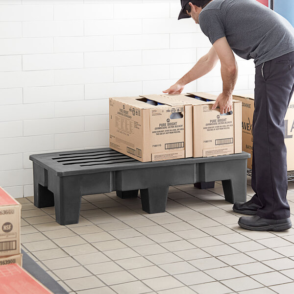 """Regency 48"""" x 22"""" x 12"""" Black Plastic Heavy-Duty Dunnage Rack with Slotted Top - 2000 lb. Capacity Main Image 4"""