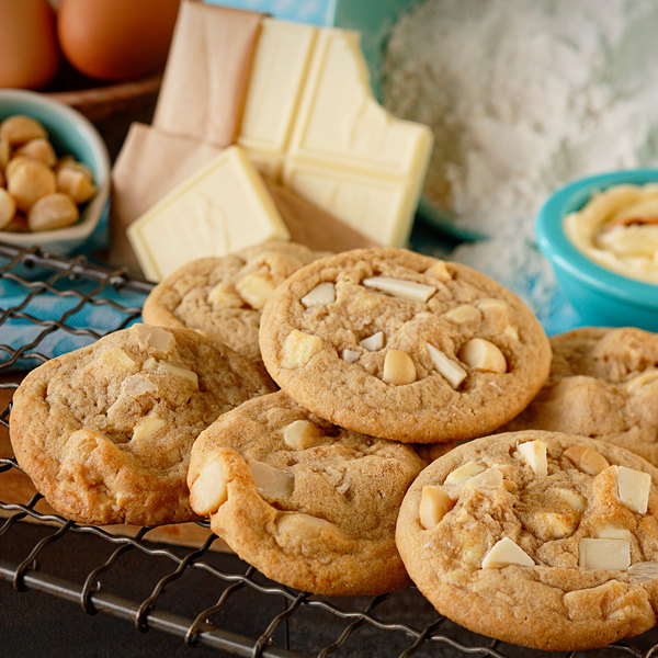 Rich's 1.5 oz. Everyday Preformed White Chocolate Chip Macadamia Nut Cookie Dough - 210/Case Main Image 3