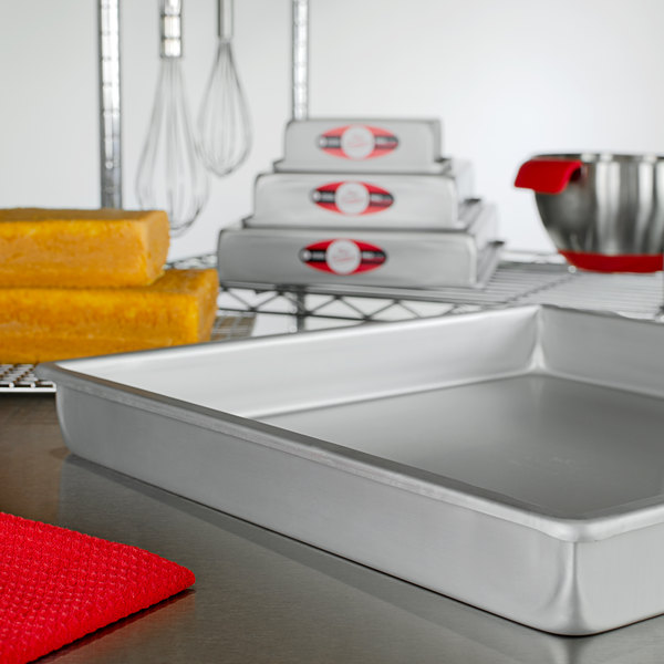 """Fat Daddio's PSQ-16162 ProSeries 16"""" x 16"""" x 2"""" Square Anodized Aluminum Straight Sided Cake Pan Main Image 2"""