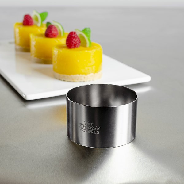 """Fat Daddio's SSRD-275175 ProSeries 2 3/4"""" x 1 3/4"""" Stainless Steel Round Cake / Food Ring Mold Main Image 2"""