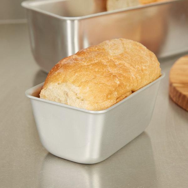 """Vollrath 5431 Wear-Ever 1 lb. Aluminum Loaf Pan - 3 3/8"""" x 5"""""""