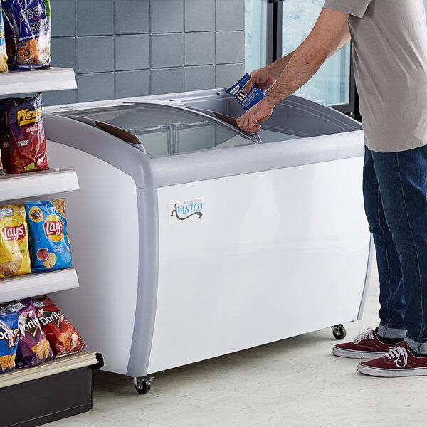 "Avantco DFC13-HCL 49 3/4"" Curved Top Display Ice Cream Freezer Main Image 7"
