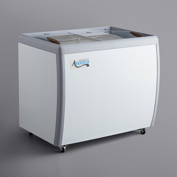 Avantco DFF9-HCL 39 inch Flat Top Display Ice Cream Freezer