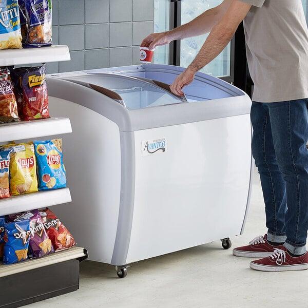 "Avantco DFC9-HCL 36"" Curved Top Display Ice Cream Freezer Main Image 7"
