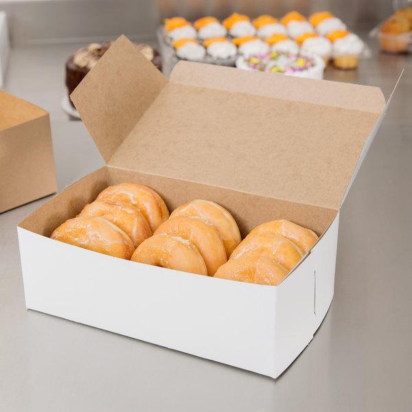"""10"""" x 6"""" x 3 1/2"""" White Donut / Bakery Box - 250/Bundle Main Image 4"""