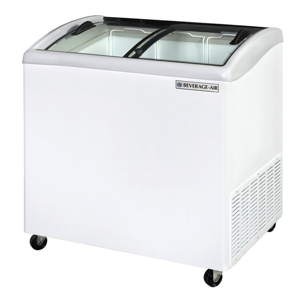"Beverage Air NC34HC-1-W 34"" Curved Lid Novelty Display Freezer"
