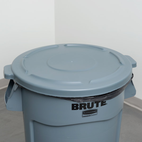 Rubbermaid FG264560GRAY BRUTE 44 Gallon Gray Round Trash Can Lid Main Image 6
