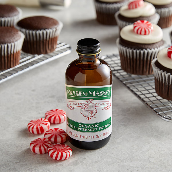 Nielsen-Massey 4 oz. Pure Organic Peppermint Extract Main Image 2
