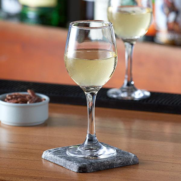 Acopa 8.5 oz. All-Purpose Wine Glass - 12/Case Main Image 2