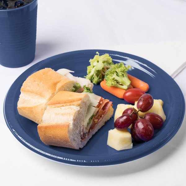 """Creative Converting 28113731 10"""" Navy Blue Plastic Plate - 20/Pack Main Image 2"""
