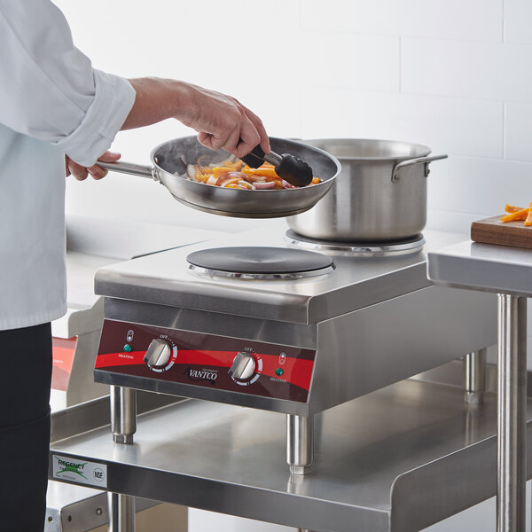 Avantco CER-200 Dual Solid French-Style Burner Countertop Electric Range - 208/240V, 3,000-4,000W Main Image 5