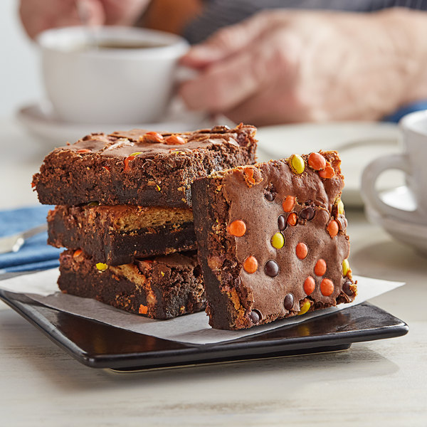 David's Cookies 4 oz. Pre-Cut REESE'S® Peanut Butter Swirl Brownie 24-Count Tray - 2/Case Main Image 2