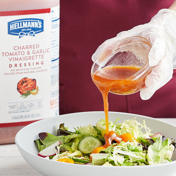 Hellmann's 1 Gallon Charred Tomato and Garlic Vinaigrette Dressing Main Image 2