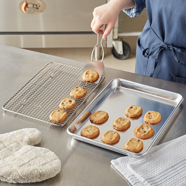 """Choice Quarter Size 19 Gauge 9 1/2"""" x 13"""" Wire in Rim Aluminum Sheet Pan with Footed Cooling Rack Main Image 3"""