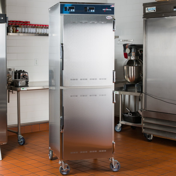 Alto-Shaam 1000-UP Mobile 8 Pan Dutch Door Holding Cabinet - 208/240V