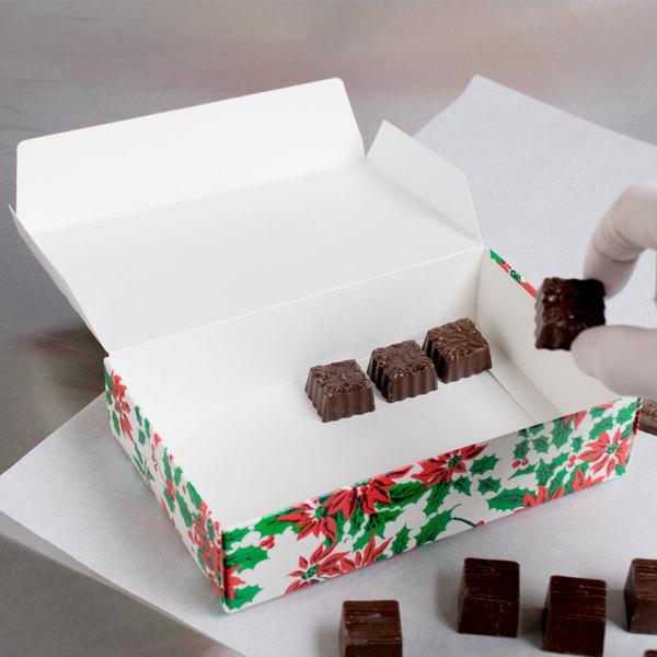 "7 1/4"" x 4 5/8"" x 1 3/4"" 1-Piece 1 1/2 lb. Poinsettia / Holiday Candy Box - 250/Case Main Image 4"