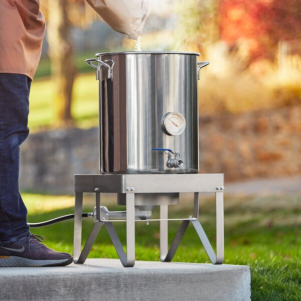 Backyard Pro BREWKIT2 Brewing Kit with Single Burner Outdoor Patio Stove / Range and 40 Qt. / 10 Gallon Stainless Steel Brewing Pot Kit Main Image 4