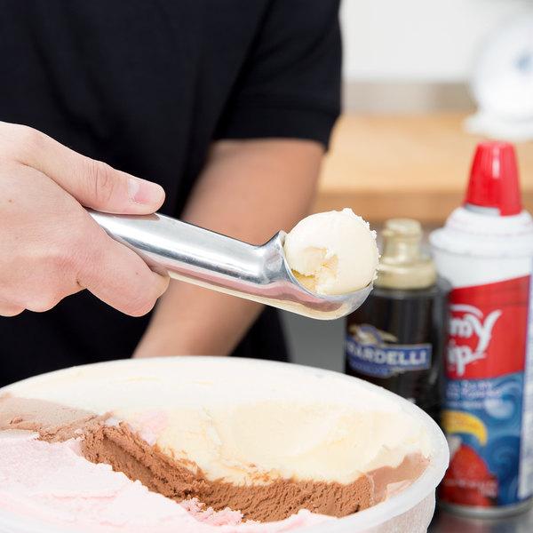 Zeroll 1030 #30 Aluminum Ice Cream Scoop / Dipper Main Image 8
