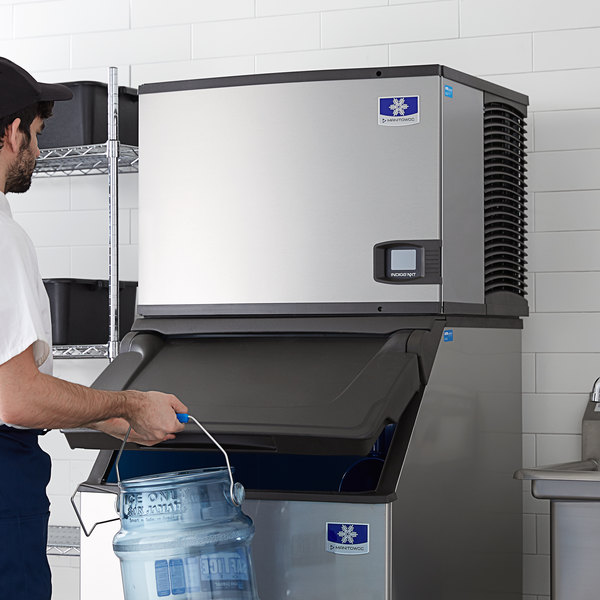 "Manitowoc IY-0455W Indigo Series 30"" Water Cooled Half Size Cube Ice Machine - 450 lb."