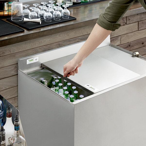 "Regency 36"" Beer Box Sliding Lid with Padlock and 2 Keys Main Image 4"
