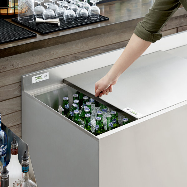 "Regency 48"" Beer Box Sliding Lid with Padlock and 2 Keys Main Image 4"