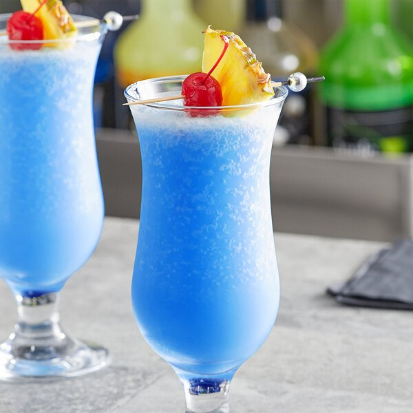 Regal Cocktail 1 Liter Blue Curacao Syrup Main Image 3