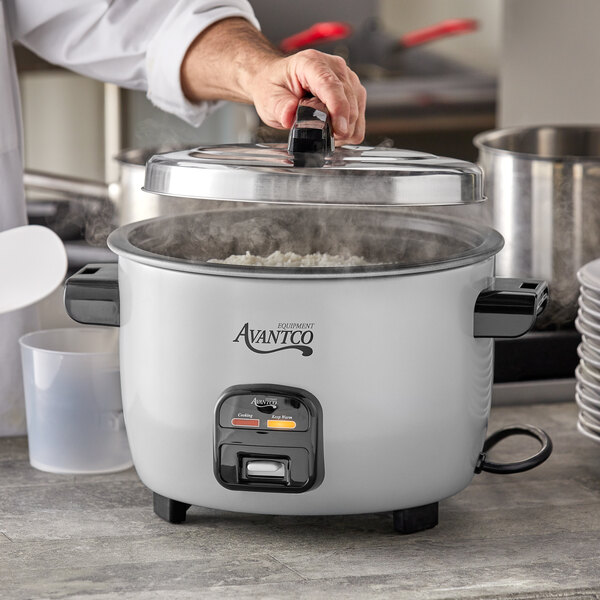 Avantco RCA40 40 Cup (20 Cup Raw) Electric Rice Cooker / Warmer - 120V, 1250W Main Image 4