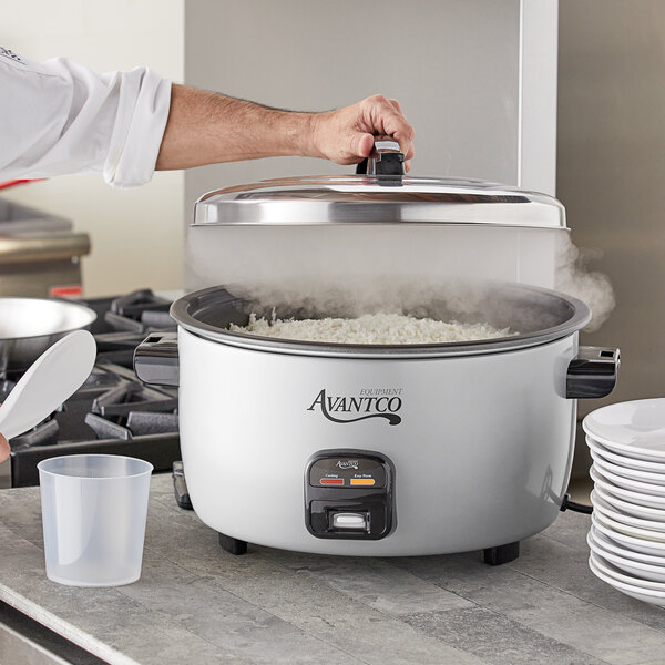 Avantco RCA60 60 Cup (30 Cup Raw) Electric Rice Cooker / Warmer - 120V, 1550W Main Image 4