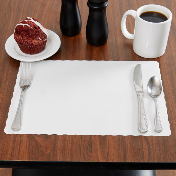 "10"" x 14"" Off-White Colored Paper Placemat with Scalloped Edge - 1000/Case"