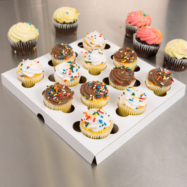 Southern Champion 10018 Reversible Cupcake / Muffin Insert - Holds 12 Mini Cupcakes - 200/Case