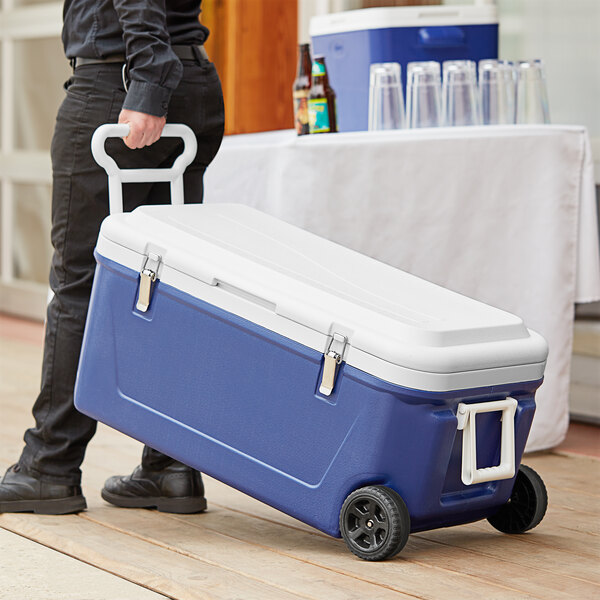 Choice Blue 84 Qt. Cooler with Wheels and Tow Handle Main Image 6