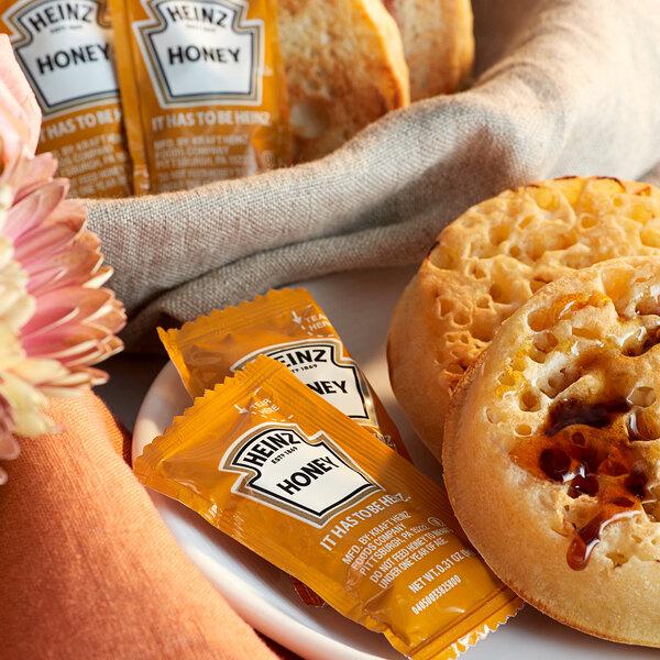 Heinz 9 Gram Honey Portion Packets - 200/Case Main Image 2