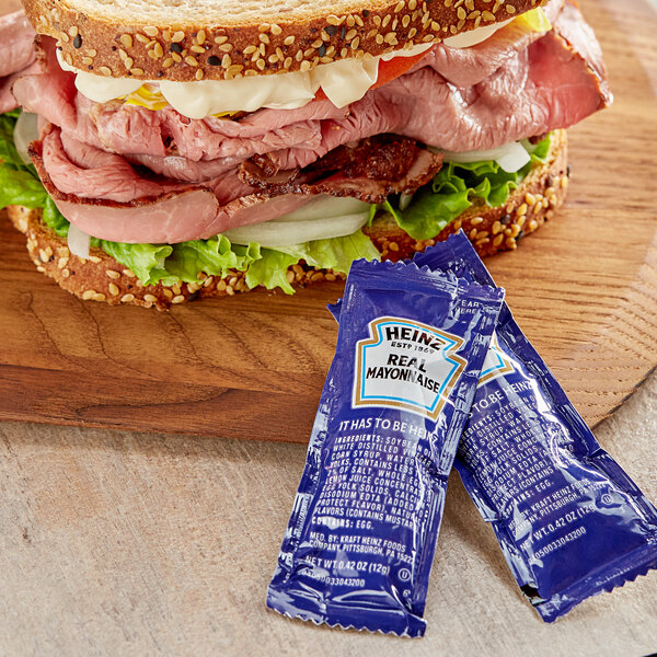 Heinz 12 Gram Mayonnaise Portion Packets - 200/Case Main Image 2