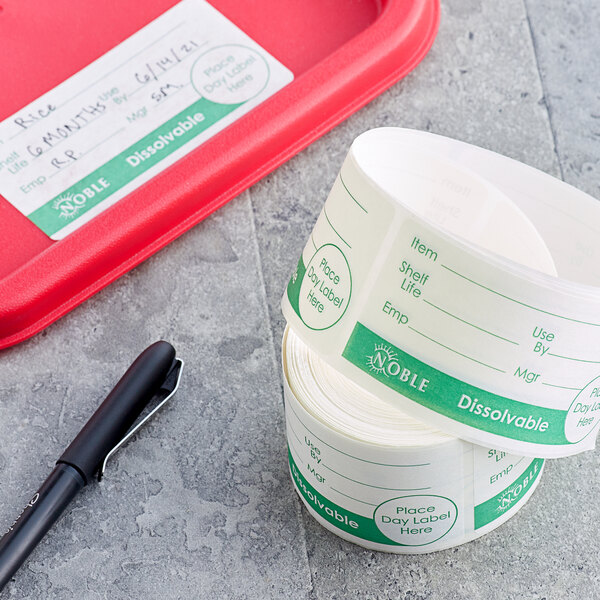 """Noble Products 2"""" x 4"""" Dissolvable Green Universal Day of the Week Label - 250/Roll Main Image 2"""