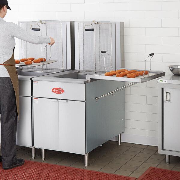 Avantco Natural Gas 110-125 lb. Flat Bottom Donut Floor Fryer with Millivolt Controls Main Image 5