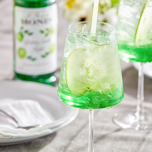 Monin 1 Liter Premium Granny Smith Apple Flavoring / Fruit Syrup Main Image 2