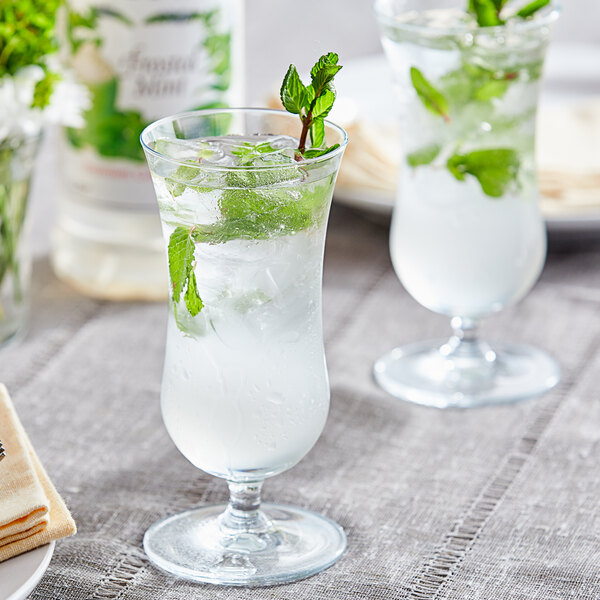 Monin 1 Liter Premium Frosted Mint Flavoring Syrup Main Image 2