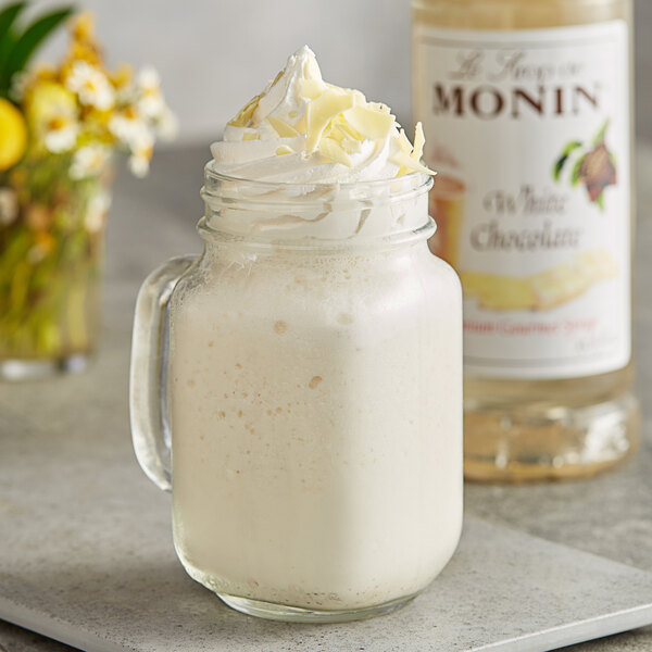 Monin 1 Liter Premium White Chocolate Flavoring Syrup Main Image 2