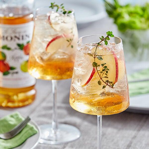 Monin 1 Liter Premium Apple Flavoring / Fruit Syrup Main Image 2