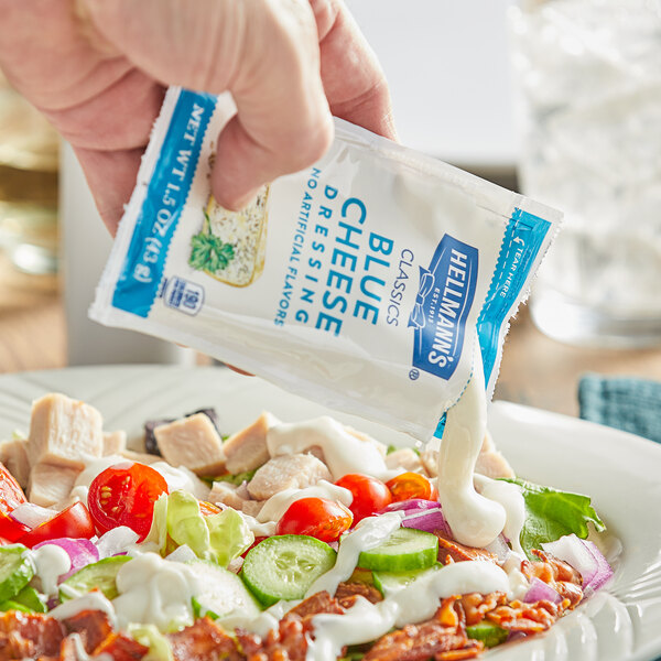 Hellmann's 1.5 oz. Blue Cheese Dressing Packet - 102/Case Main Image 2