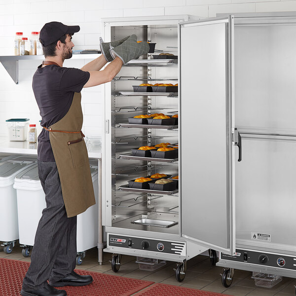 ServIt CC1UFIS Full Size Insulated Holding and Proofing Cabinet with Solid Door - 120V, 2000W Main Image 5