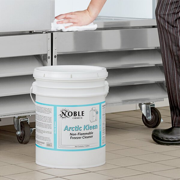Noble Chemical 5 Gallon / 640 oz. Arctic Kleen Freezer Cleaner Main Image 2