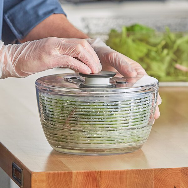 OXO 1045409 Good Grips 2.5 Qt. Plastic Salad & Herb Spinner / Dryer Main Image 3