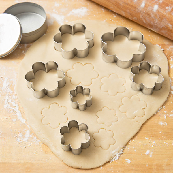 Ateco 7806 6-Piece Stainless Steel Plain Daisy Cutter Set Main Image 3