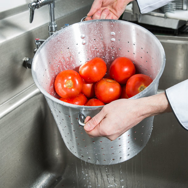 20 Qt. Tapered Aluminum Vegetable Colander with Handles