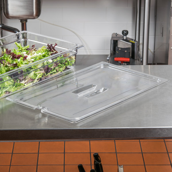 Cambro 10CWCHN135 Camwear Full Size Clear Polycarbonate Handled Lid with Spoon Notch Main Image 8