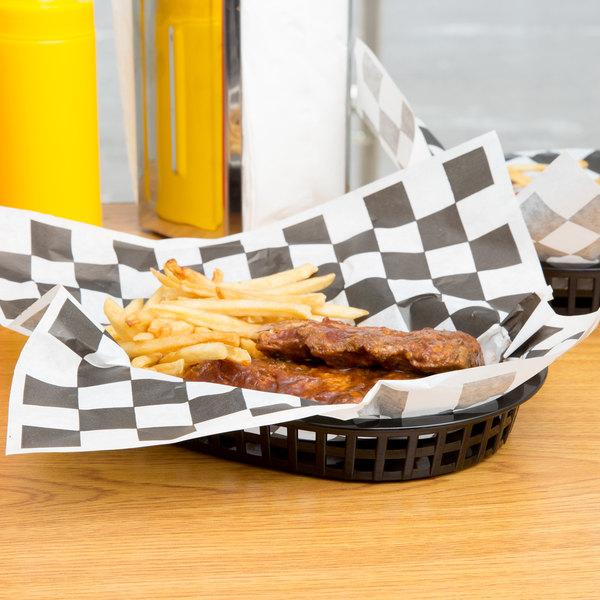 "10 3/4"" x 7"" x 1 1/2"" Black Oval Plastic Fast Food Basket - 12/Pack"